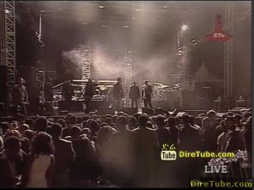 Audience Dancing Live @Sheraton Addis - NEW Year EVE 2011 - Part 2