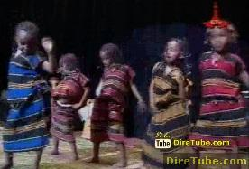 Kids Funny Dance with Chambelala