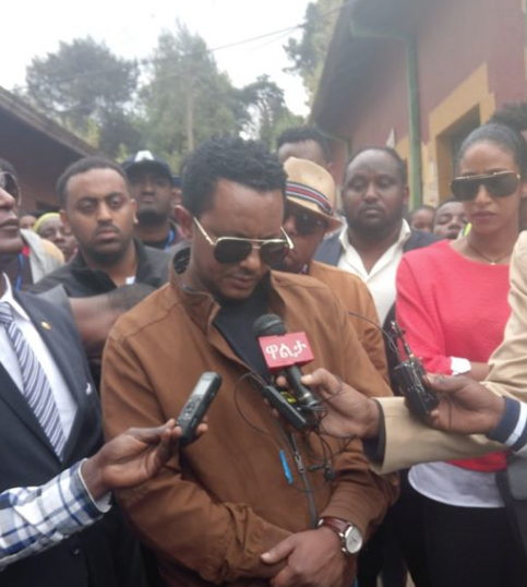 Teddy Afro donated 1 million birr to Burayu victims