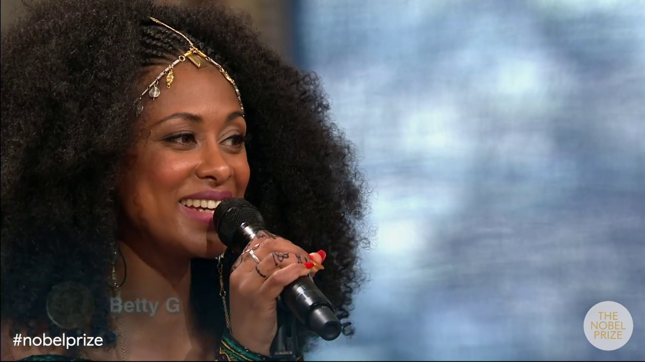 "Betty G performs Yamlu Mola's ""Sin Jaaladhaa"" at the 2019 Nobel Peace Prize Ceremony"